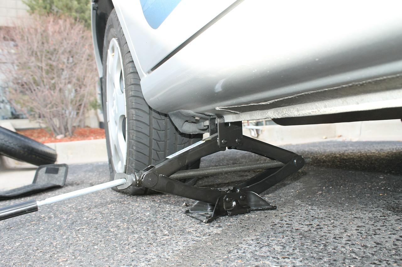 海外赴任中に車が故障したら?ロードサービスは駐妻の強い味方です